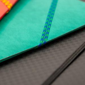 Tresse élastique pour chemise de papeterie