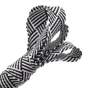 Tresse plate noire et blanche